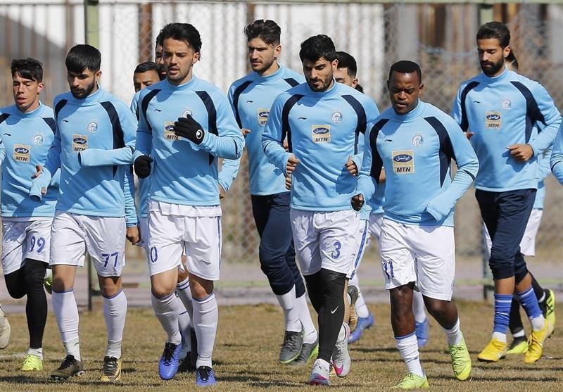گزارش تمرین استقلال، حضور بازیکنان در جلسه فنی و غیبت دو بازیکن