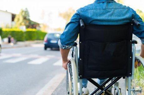 معلولان چگونه می توانند کارت شناسایی معلولیت را دریافت نمایند؟