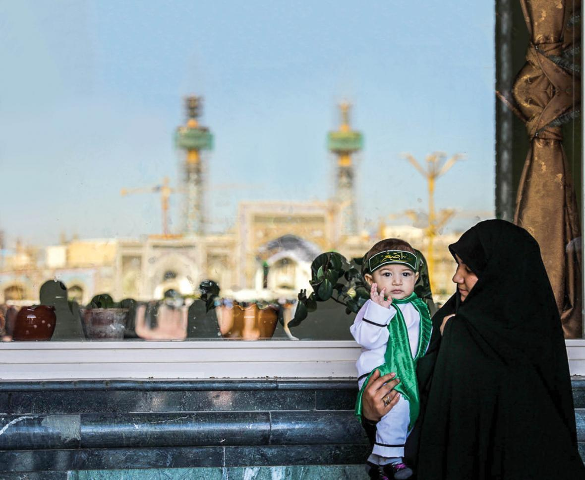 چگونه فرزندمان را به روضه سید الشهدا (ع) ببریم؟