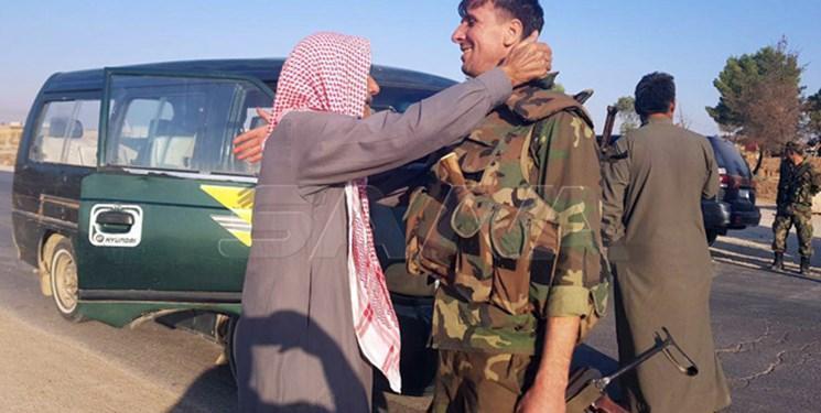 تصاویر، استقبال گسترده مردمی از ورود ارتش سوریه به تل تمر در حسکه