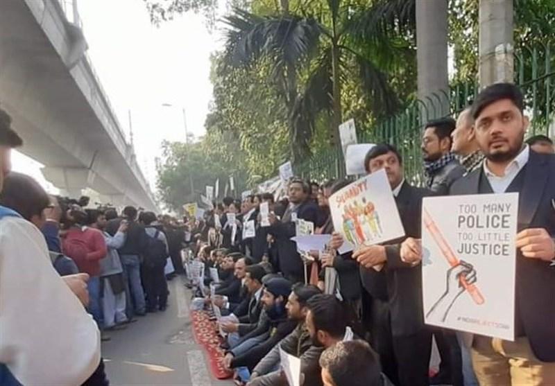 دولت هند علیه هزار دانشجوی معترض به قانون تبعیض مذهبی پرونده قضایی تشکیل داد