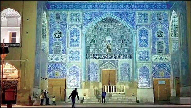 شلیک های پی درپی به مسجد شیخ لطف الله اصفهان