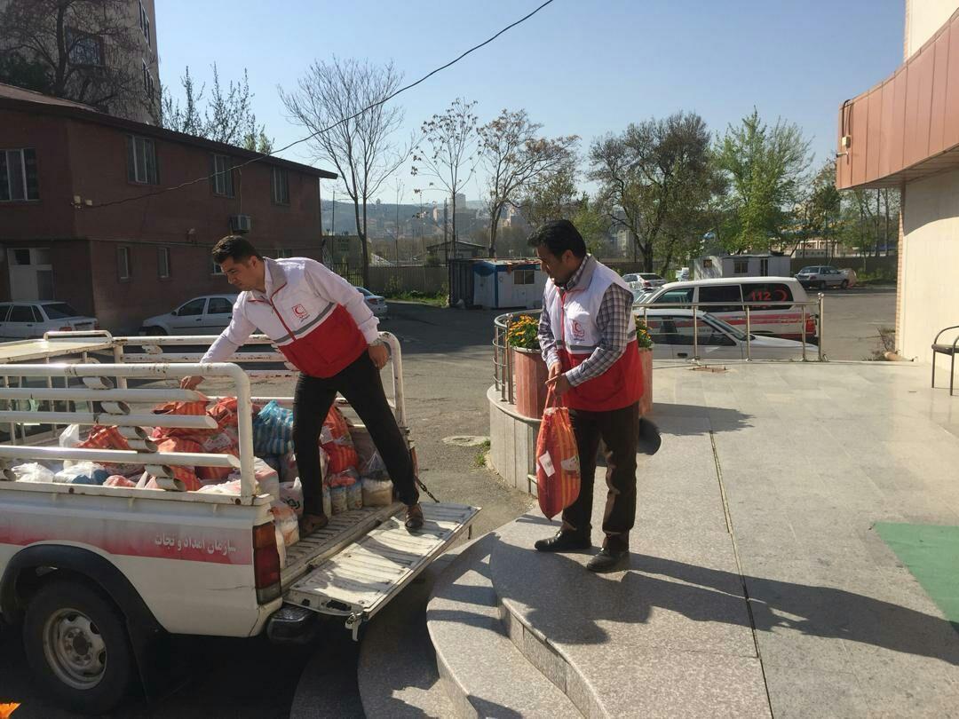 خبرنگاران تهیه 100 بسته غذایی در قالب اجرای طرح همای رحمت در ارومیه