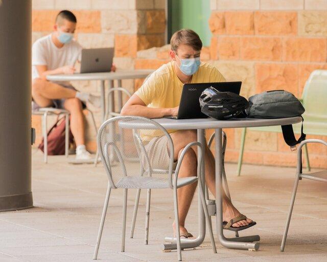 دانشجویان خود را 14 روز قرنطینه نمایند