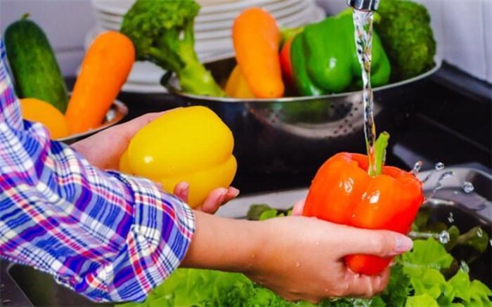 توصیه های کرونایی؛ هر روز سبزی یا سالاد همراه با آب لیموترش تازه بهره ببرید
