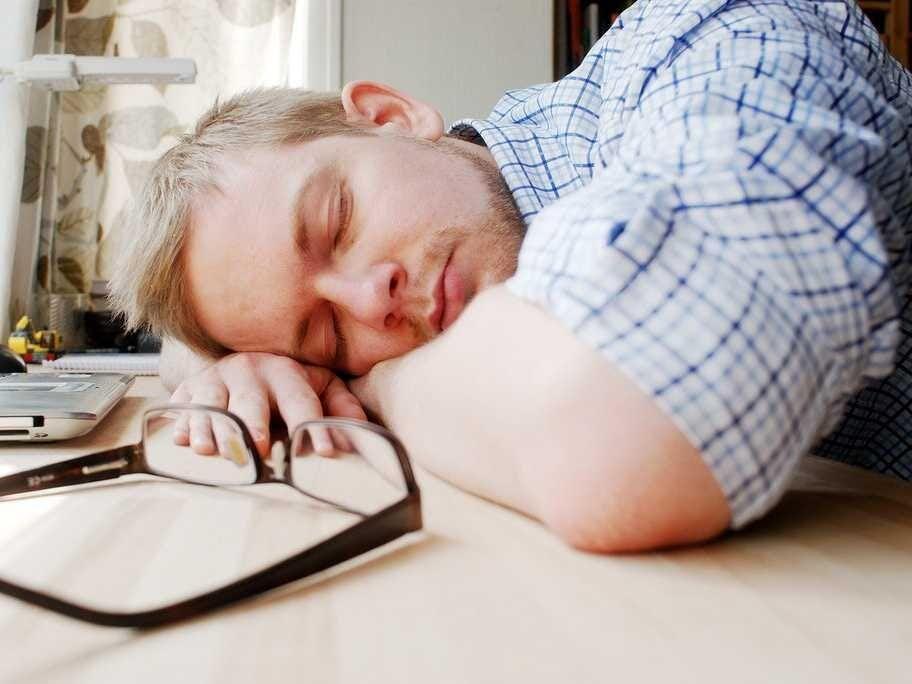 احساس خستگی می کنید؟ شاید این 13 کار را انجام نمی دهید!