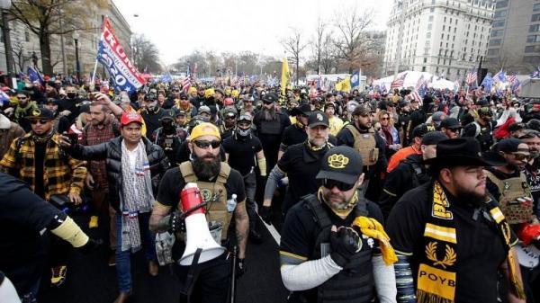 23 بازداشتی و 4 زخمی حاصل درگیریهای خشونت بار طرفداران ترامپ در واشنگتن