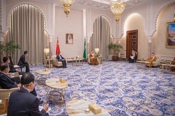 وزیر خارجه چین و ولیعهد سعودی ملاقات کردند