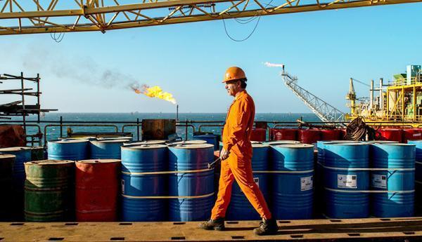 پیش بینی صادرات نفت ایران در سال 1400