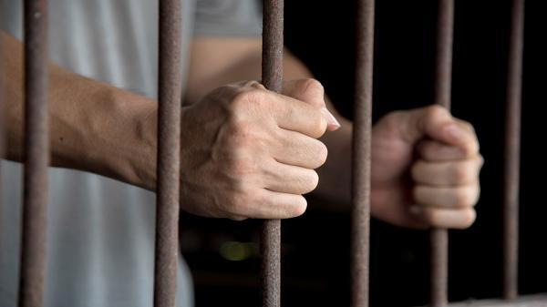 تکذیب فوت یک زندانی بر اثر اجرای حکم شلاق در زندان اهر